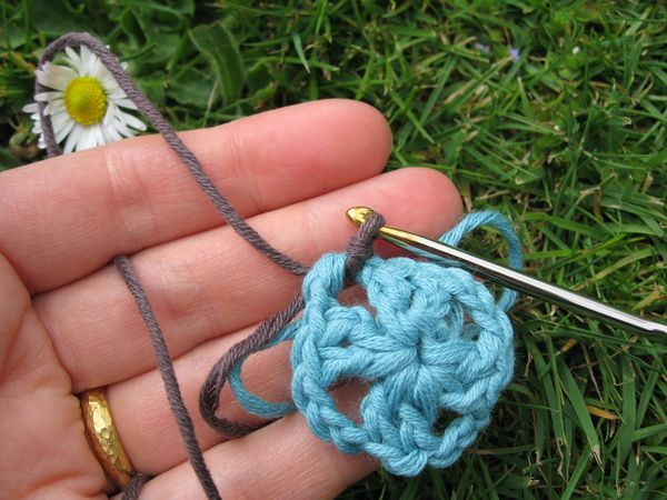 The baby poncho tutorial part 1 the woollen hippy